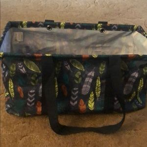New large utility tote falling feathers